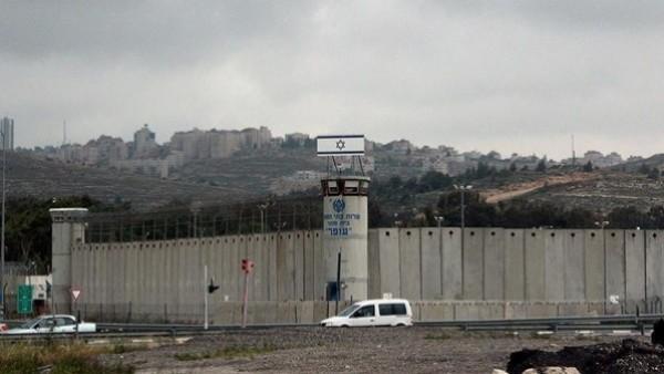 إسرائيل تخترق شبكة الاتصالات اللبنانية وتبث رسائل تهديد لسكان البلدات الحدودية