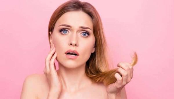 6 عوامل تساعد في انتشار قشرة الشعر.. إحذري منها
