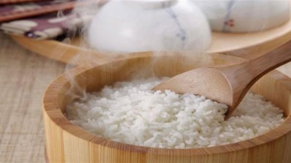 نتيجة بحث الصور عن لا ترمي الأرز المعجن.. إليكِ طرق إنقاذه