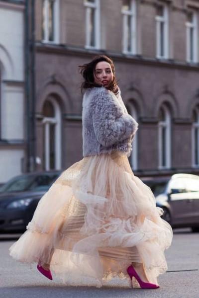 لعروس الشتاء.. طرق اختيار فستان زفافك حتى لا تشعرين بالبرد