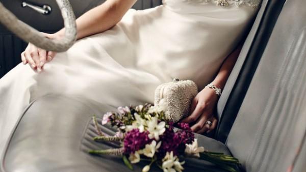 حقيبة العروس من صيحات زفاف 2019.. شاهدي أشكالها الأنيقة