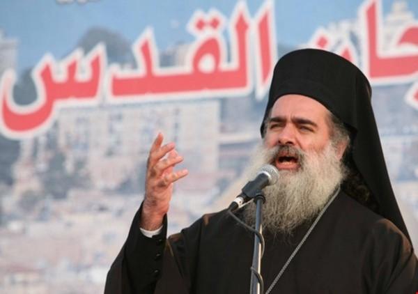 المطران حنا: استهداف الاحتلال للشخصيات المقدسية علامة ضعف وليست قوة