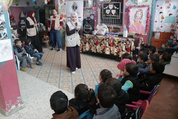 """""""خدمات الطفولة"""" تنفذ حفلاً ترفيهية للأطفال في روضة (أحباب الله) بشرق غزة"""