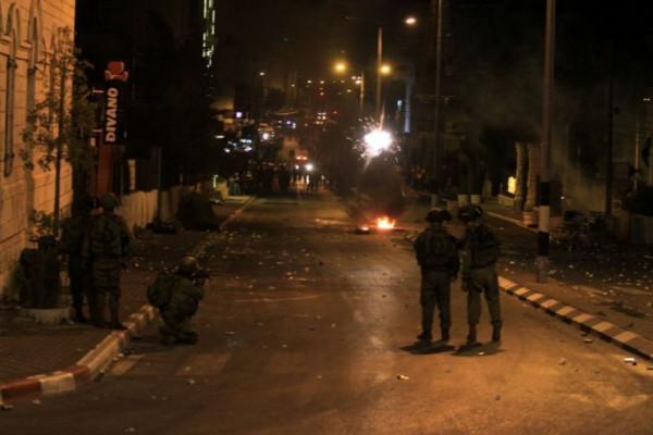 الاحتلال يقتحم بلدة سلواد ويُغلق مداخلها واندلاع مواجهات مع الشبان