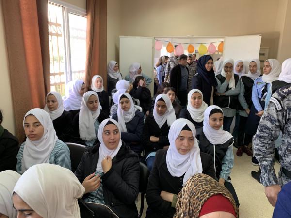 تربية طولكرم تنظم مهرجانا حول مكافحة الفساد في مدرسة بنات عنبتا ث