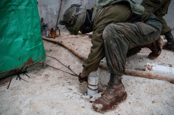 شاهد: ضمن عملية (الدرع الشمالي).. إسرائيل تُعلن اكتشاف نفق ثالث لحزب الله
