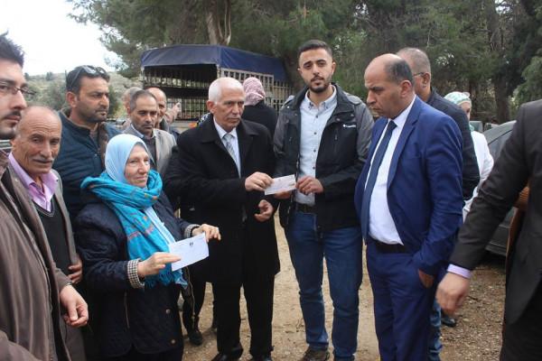 بيت لحم: مكرمة رئاسية لسكان خربة عابدة وسط (غوش عتصيون) تعزيزا لصمودهم