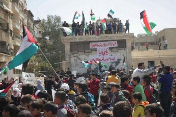 الأونروا تقدم دفعات جديدة من الدعم المالي لفلسطينيي سوريا