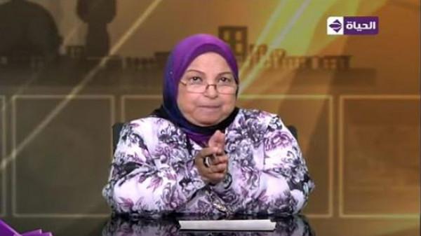 """فيديو: أغرب الفتاوى عن المرأة: الراقصة """"شهيدة"""" و""""الترقيع"""" حلال"""