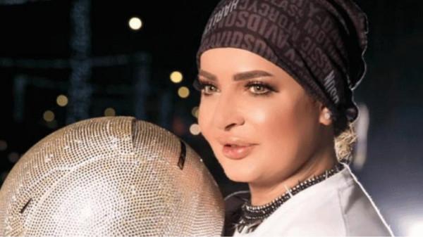 """بدرية أحمد تثير الجدل بـ""""إيحاءات جنسية"""".. ومطالبة بتدخل المباحث الإماراتية"""