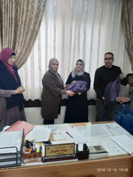 المجلس المحلي في قرى امريش وعبده والعلقتين يكرم المعلمين في ذكور امريش