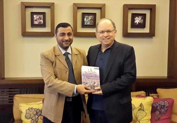"""الصحافي محمد دهشة يوقع كتابه الاول """"عين الحلوة"""" في بلدية صيدا الثلاثاء"""