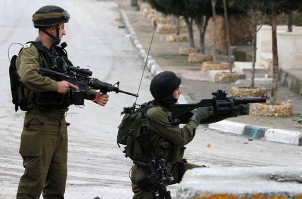 إصابة شاب بجراح حرجة برصاص الاحتلال في قلقيلية