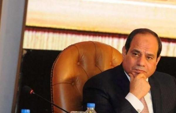 """بعد أسئلة السيسي التي كشفت """"جهله"""".. محافظ القاهرة أمام """"النائب العام"""""""