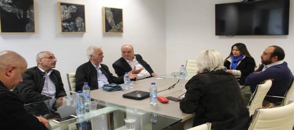 القدوة يستقبل وفدا برلمانيا من تشيلي في متحف ياسر عرفات