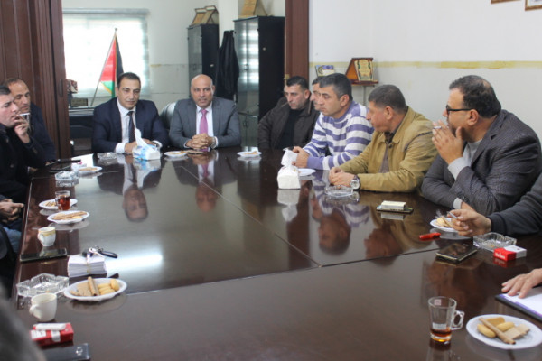 العالم د.عدنان مجلي يزور غرفة تجارة طوباس