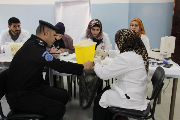 الشرطة تنظم حملة للتبرع بالدم بمناسبة انطلاق الثورة في أريحا