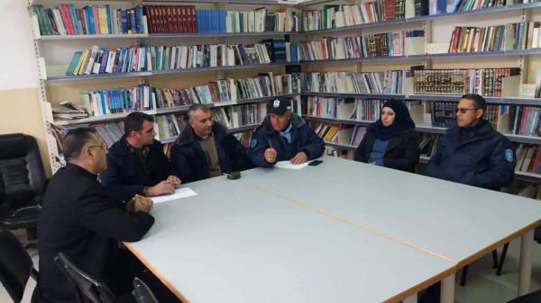 المركز المتنقل يلتقي أعضاء المركز الثقافي المجتمعي في الخليل