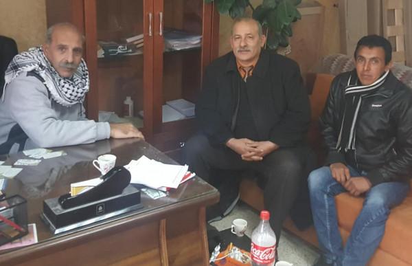 القيادي الفتحاوي أبو ميالة يجتمع مع اللجان الشعبية وحركة فتح البادية