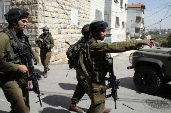 قوات الاحتلال تنصب حاجزا على المدخل الرئيسي لبيت فجار جنوب بيت لحم
