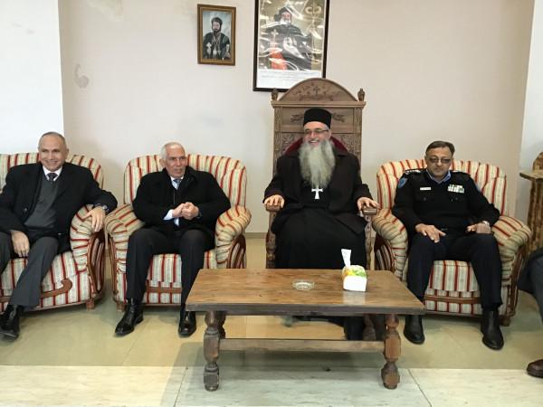 محافظ بيت لحم يقدم التهاني والتبريكات بالأعياد المجيدة للطوائف الشرقية