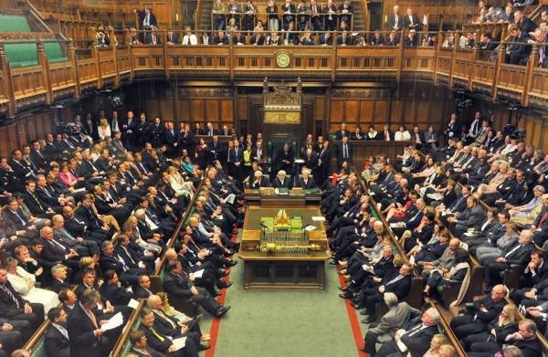 كوربين يُطالب بانتخابات عامة في بريطانيا حال خسرت ماي التصويت بالبرلمان