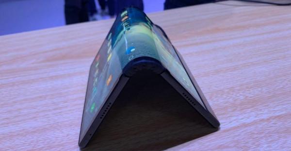 شركة صينية تسبق الجميع بإصدار جهاز لوحي قابل للطي
