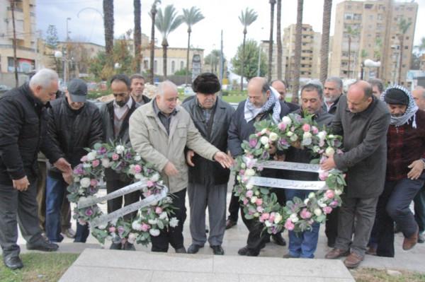 """فتح"""" تُكلِّل بالزهور النّصب التذكاري لشهداء مدينة صيدا بمناسبة يوم الشهيد الفلسطيني"""