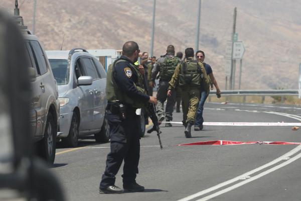 شاهد: استشهاد فلسطيني برصاص الاحتلال بزعم تنفيذ عملية طعن بالخليل