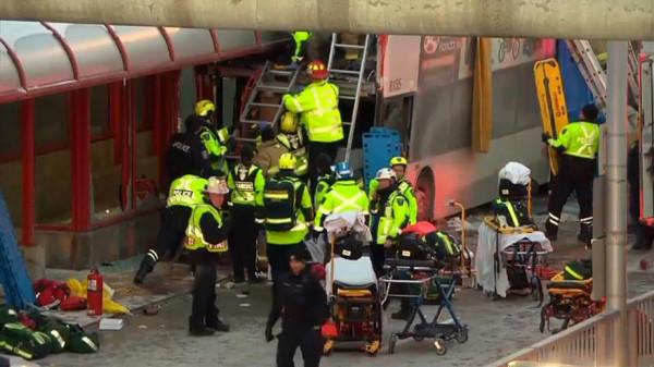 تصادم بمحطة حافلات في أوتاوا يودي بحياة ثلاثة أشخاص