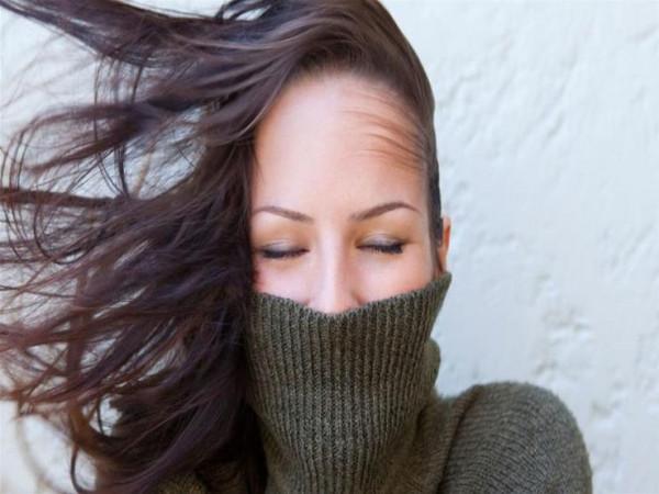 4 أقنعة تحمي شعرك من قسوة الشتاء