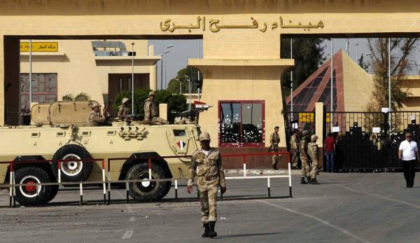 """الوفد المصري يمنع """"انفجار"""" غزة ويَعِدْ بفتح معبر رفح وإلزام إسرائيل بتفاهمات الهدوء"""