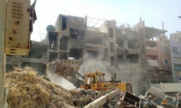 الرفاعي: استكمال العمل في إزالة الركام بمخيم اليرموك خلال الفترة المقبلة
