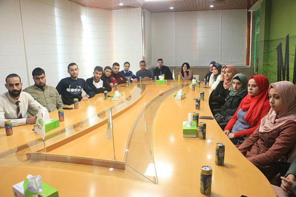 كلية ادارة المال والأعمال في جامعة فلسطين تنظم زيارة لشركة جوال