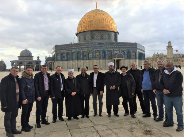 مفتي القدس ومحافظها يؤكدان على أهمية زيارة القدس