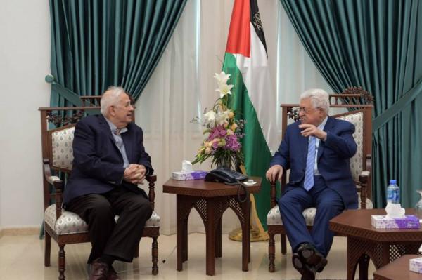 خلال لقائه حنا ناصر.. الرئيس يتابع مشاورات عقد الانتخابات التشريعية
