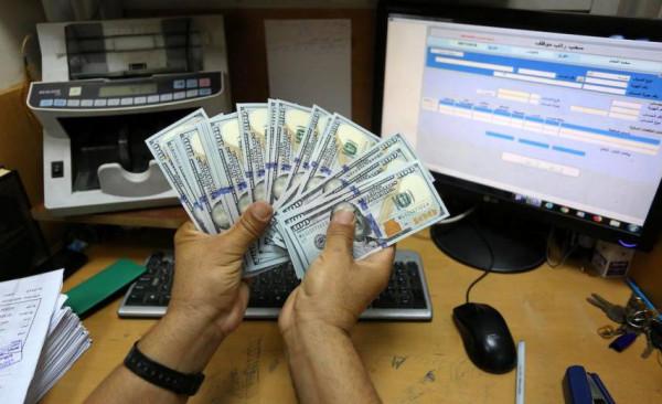 """الإعلام الإسرائيلي يُرجّح صرف المنحة القطرية لغزة عبر""""بنك فلسطين"""".. والبنك يُعلق"""