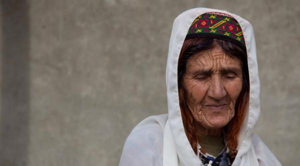 كيف يمكن للنساء بلوغ سن الـ 90؟ 9998939832