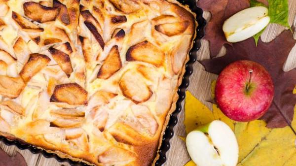 طريقة الكيك بالتفاح والقرفة