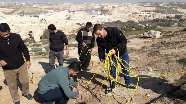 بوليتكنك فلسطين تطلق المرحلة الأولى لتقنية الكشف عن الموارد الطبيعية بباطن الارض