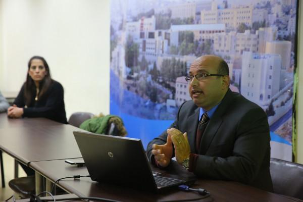 """ورشة بجامعة القدس حول """"اقتصاديات التنافسية ودروها في بناء استراتيجيات الميزة التنافسية"""""""