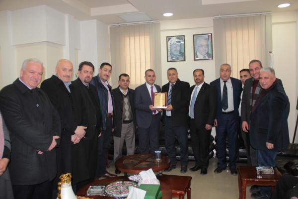رئيس جامعة فلسطين التقنية خضوري يزور محافظة الخليل