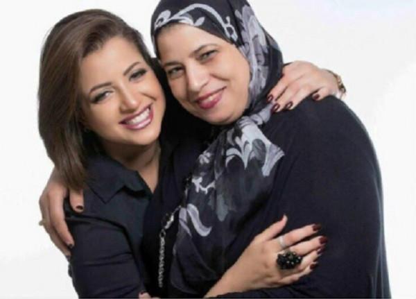 المحامية أشهرت عقود الزواج.. ماذا فعلت والدة منى فاروق في المحكمة؟