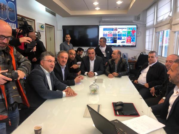 وفد المتابعة يتفق مع رئيس بلدية طبريا على صيانة وترميم مساجد طبريا