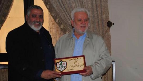 """حركة """"فتح"""" بشعبة صيدا تكرِّم فتحي أبو العردات"""