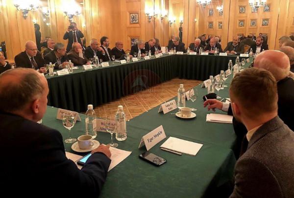 شاهد: انطلاق جولات المصالحة الفلسطينية في موسكو
