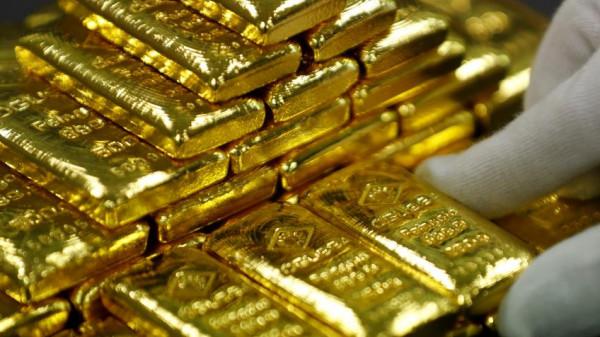 تراجع أسعار الذهب وارتفاع للدولار الأمريكي