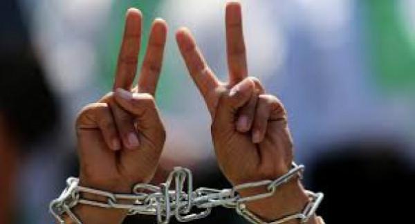 بينهم اثنان محكومان بالمؤبد.. ثلاثة أسرى يدخلون أعوامًا جديدة في سجون الاحتلال