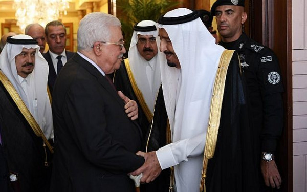 الرئيس عباس يلتقي اليوم الملك سلمان بن عبد العزيز وولي العهد