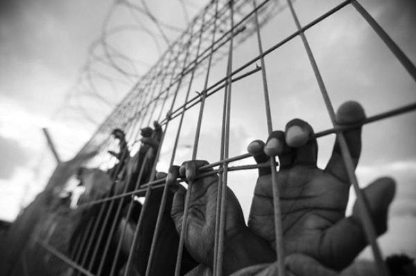 جبهة التحرير الفلسطينية.. اقتطاع مخصصات الأسرى يقود لمواجهة مفتوحة مع الاحتلال